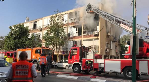 שריפה פרצה בבניין ברחוב הירדן