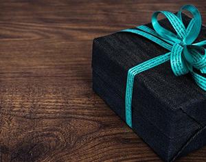 איך תבחרי את המתנה המושלמת לחברה שלך?
